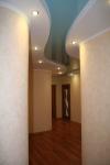 Натяжной потолок для прихожей